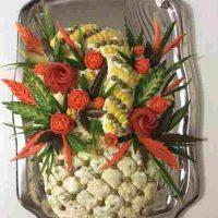 تزیین سالاد الویه برای جشن تولد به شکل گل و مجلسی