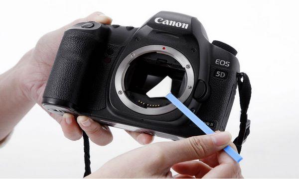 چگونه لنز دوربین گوشی را تمیز کنیم