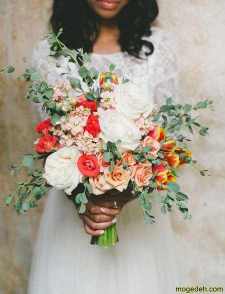 دسته گل رز قرمز و سفید عروس