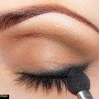 انواع سایه های مناسب برای چشم آبی