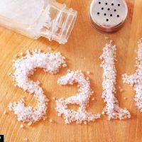 عوارض نمک |  بیماری هایی که با مصرف زیاد نمک سراغتان میآید