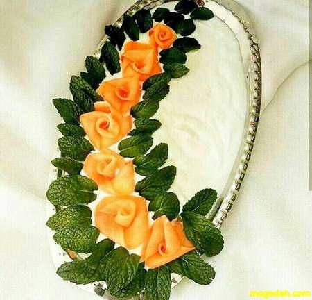 تزیین ماست با غنچه گل محمدی